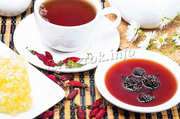 Кушать десерт из шишек рекомендуется с чаем