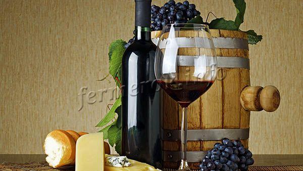 Используется виноград Пино Нуар для изготовления столовых вин высокого качества