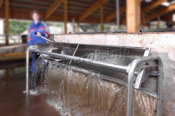 Поилка должна быть простая, чтобы было легко ее чистить, мыть и проводить дезинфекцию