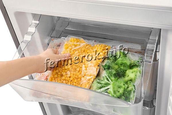 Замороженная кукуруза может храниться примерно 6-8 месяцев